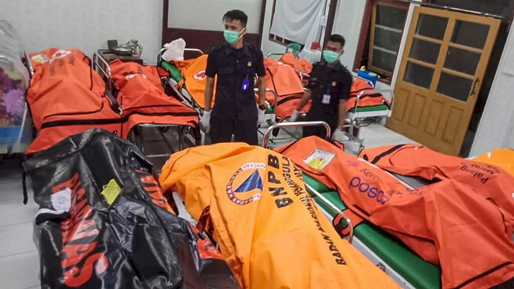 Elf scholieren verdronken in Indonesische rivier