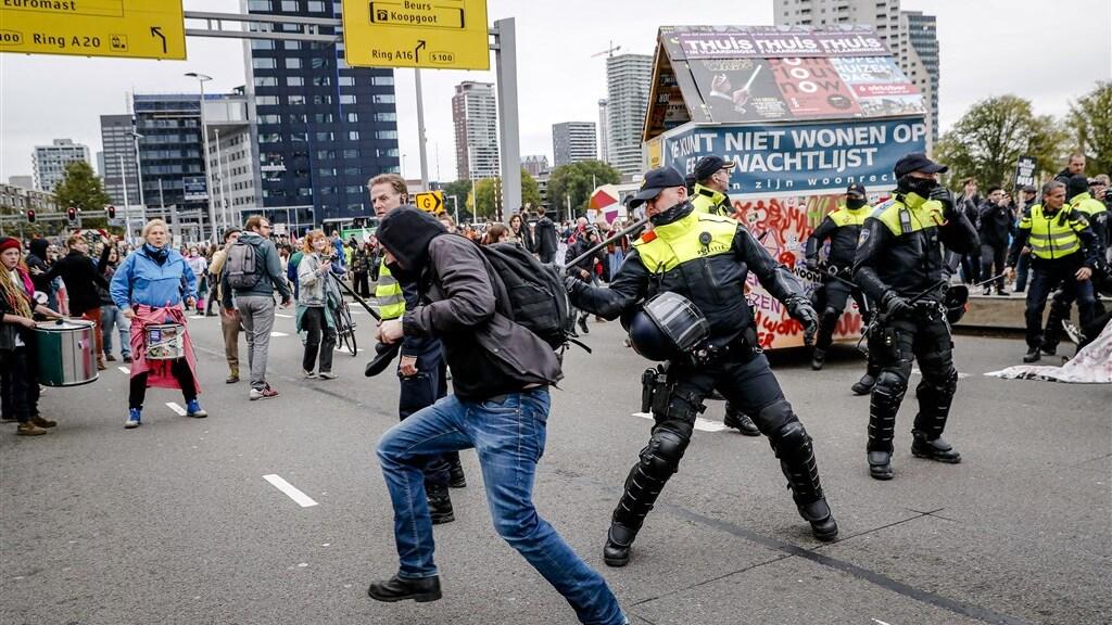 Acht aanhoudingen bij woondemonstratie Rotterdam